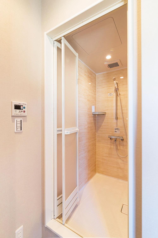 2階にはシャワー室を完備