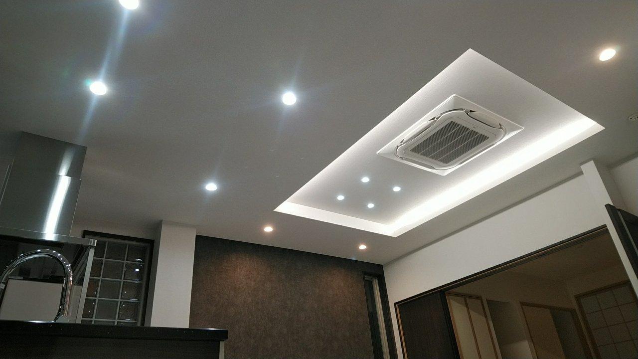ダウンライト&天井埋込冷暖房機