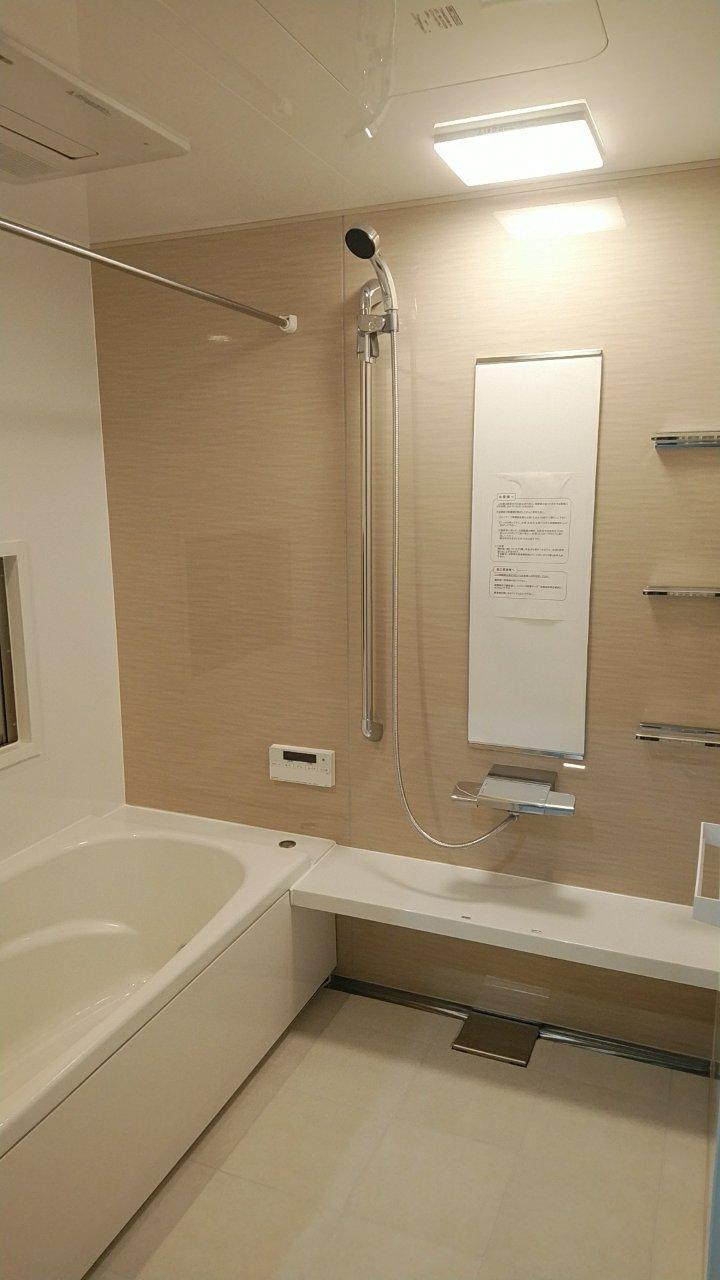温度を長時間キープしてくれる鋳物の浴槽(カワック付)